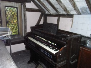 Harmonium looking for a good home – do we have any budding Nicos on board?